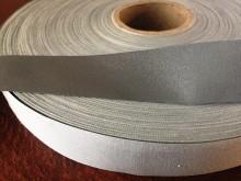 Fényvisszaverő szalag, szín: ezüst, szélesség: 20mm, 1 tekercs: 10m, egységár: 91,0 Ft/méter*