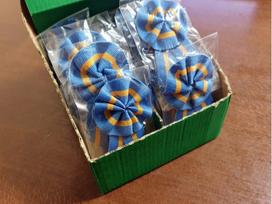 Cockade in box, color: székely nation, diameter of head: 45mm, 1 box: 50pc, unitprice: 70,0 Ft/piece*