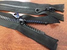 Műanyag zippzár, hosszúság: 80cm, szín: fekete, 1 csomag: 10db, egységár: 117,0 Ft/darab*