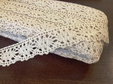 Cotton lace, color: ecru, width: 30mm, 1 roll: 25m, unitprice: 138,0 Ft/meter*