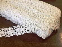 Cotton lace, color: white, width: 30mm, 1 roll: 25m, unitprice: 138,0 Ft/meter*