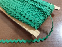 Rickrack, cotton, color: darkgreen, width: 8mm, 1 roll: 50m, unitprice: 25,0 Ft/meter*