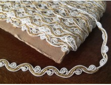 Braiding, color: white-gold, width: 9mm, 1 roll: 25m, unitprice: 125,0 Ft/meter*