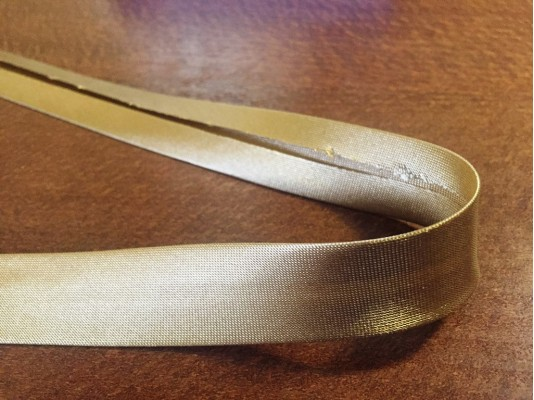 Satin bias binding, color: beige, width: 20mm, 1 roll: 25m, unitprice: 51,0 Ft/meter*