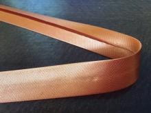 Szatén ferdepánt, szín: narancssárga, szélesség: 20mm, 1 tekercs: 25m, egységár: 51,0 Ft/méter*