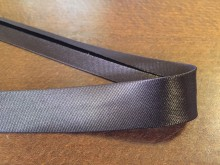 Satin bias binding, color: darkbrown, width: 20mm, 1 roll: 25m, unitprice: 51,0 Ft/meter*