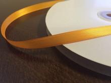 Szatén szalag, szín: narancssárga, szélesség: 10mm, 1 tekercs: 100m, egységár: 17,0 Ft/méter*