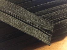 Zipper (endless), color: black, 1 roll: 50m, width of the spiral: 4mm, unitprice: 33,0 Ft/meter*