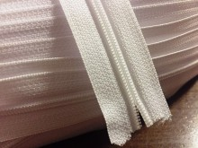 Zipper (endless), color: white, 1 roll: 50m, width of the spiral: 4mm, unitprice: 33,0 Ft/meter*